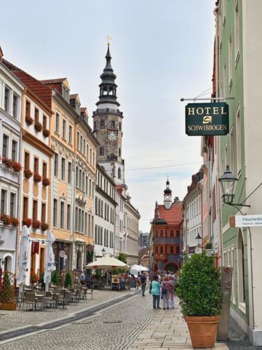 Brüderstraße mit Rathausturm