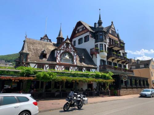 "Hotel ""Krone"" am Rhein..."